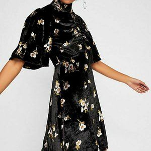FREE PEOPLE OB890376 Be My Baby Velvet Dress